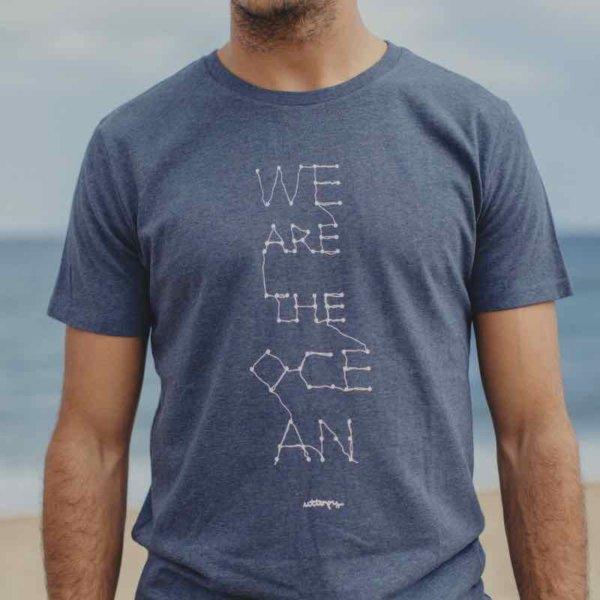 Camiseta con mensaje azul hombre océanos