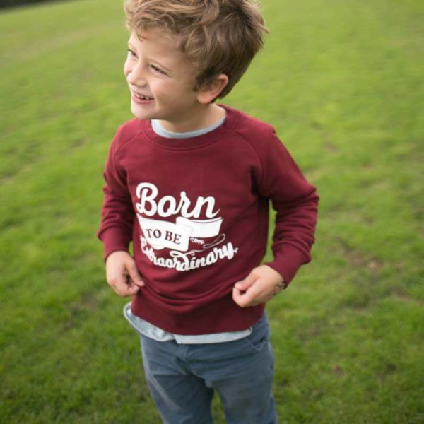 Sudadera niño granate con mensaje Born to Be Extraordinary