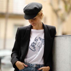 Patricia Sañes con Camiseta Feminista Solidaria Girls Matter